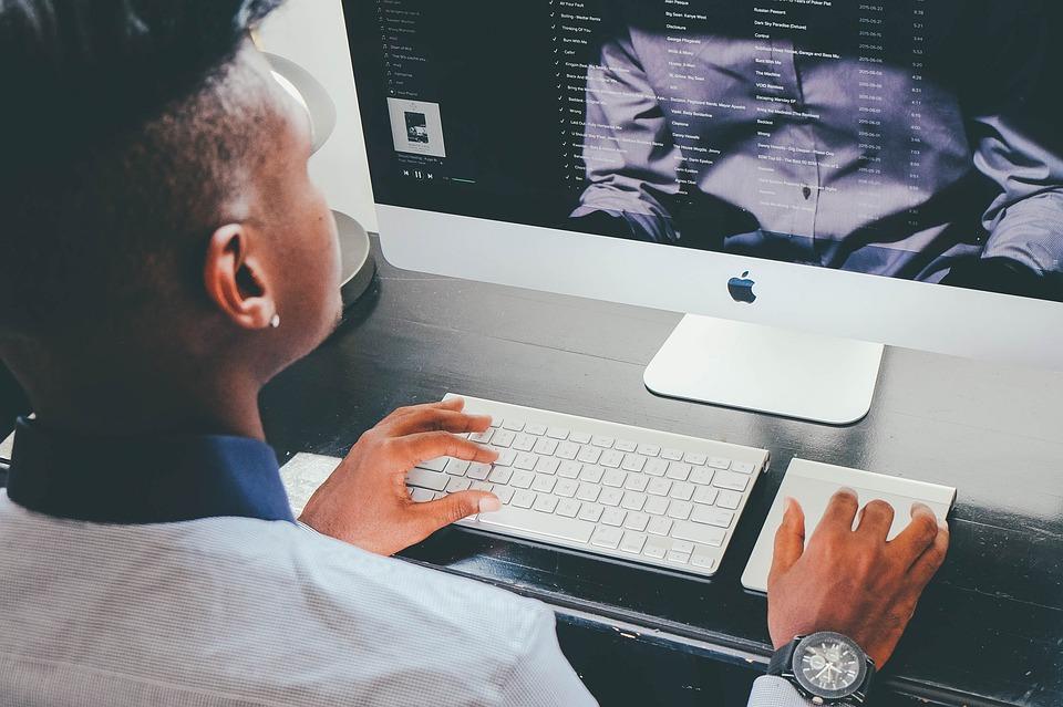 """Kostenfreies Webinar: """"Arbeitserleichterung durch virtuelle Assistenz"""""""
